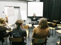 Tomasz Raczek - 5 kwietnia 2014 r. - spotkanie autorskie i warsztaty dziennikarskie o sztuce przeprowadzania wywiadów , img_2403_raczek